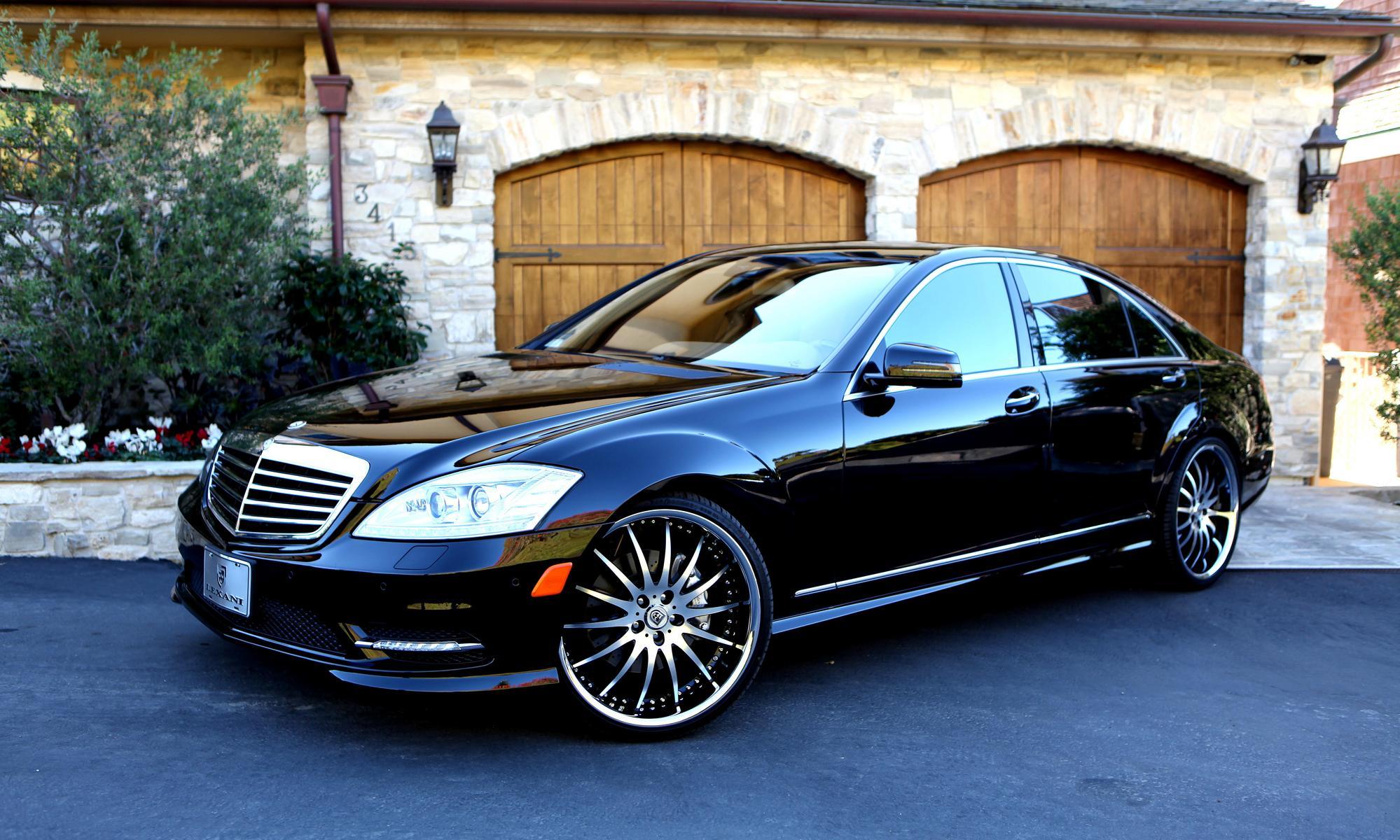 Black Mercedes-Benz S550 On Rims
